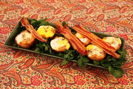 Microwaved Bacon and Eggs in Toast Nests