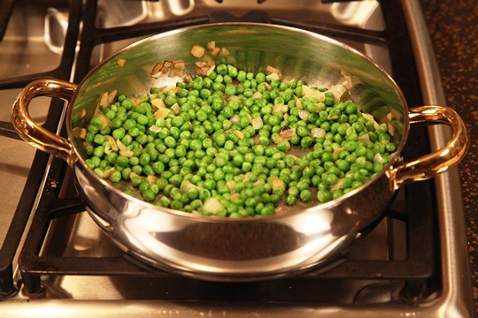 Cooking Peas for Creamed Peas