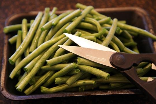 Snip Green Beans