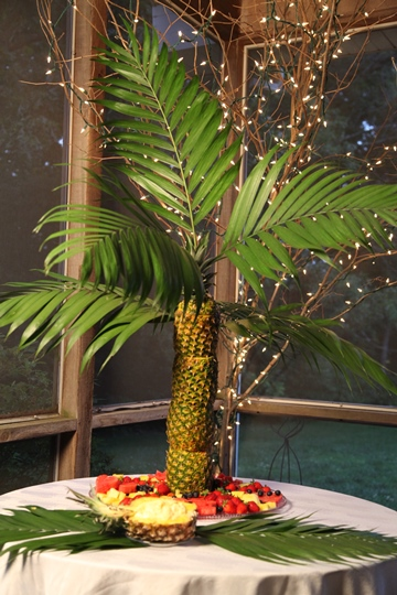 Vickie's Pineapple Palm Tree